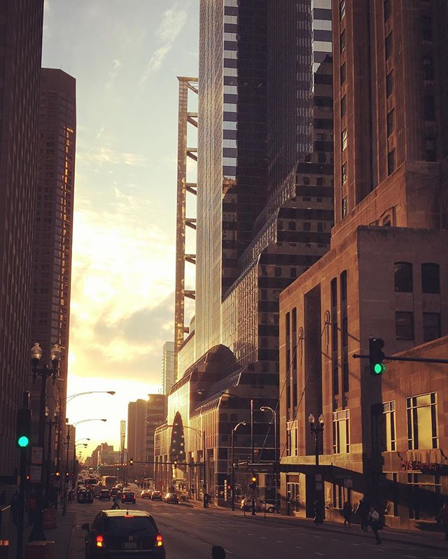 golden_hour_in_chicago